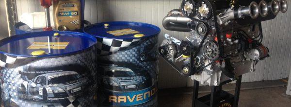Millington dirkalni motorji in maziva Ravenol
